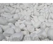 otoczak śnieżno-biały